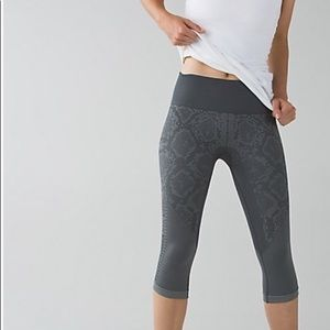 Lululemon In The Flow Crop II Heathered Slate